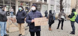Polițiștii sibieni au protestat la Prefectură timp de 2 ore