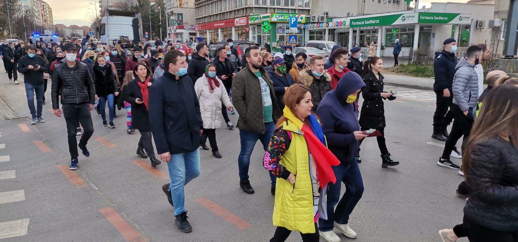 FOTO|VIDEO Sibiu, protestul de la ora 5. Jandarmii nu au avut cu cine dialoga